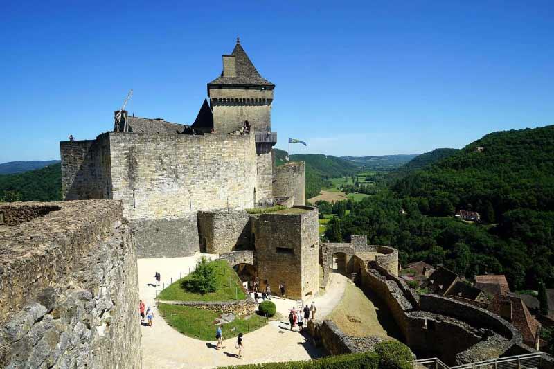 Chateau-de-Castelnaud-la-Chapelle-near-camping-maisonneuve-Dordogne-perigord-noir-france